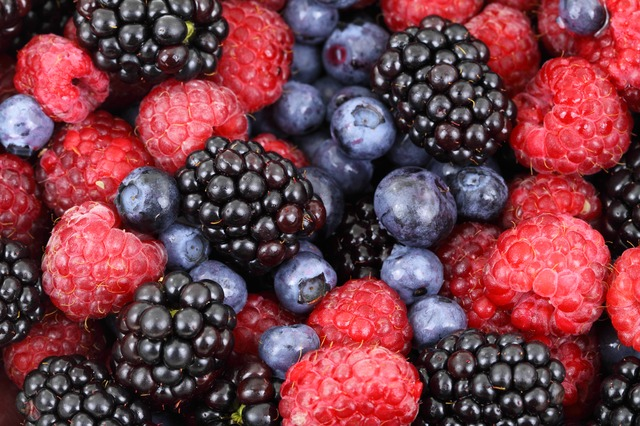 Berries are a great food to eat raw - tons of antioxidants!